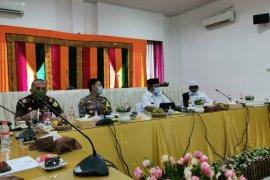 Pemkab Aceh Besar perketat pengawasan tekan COVID-19