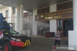 Satuan Gegana Brimob sterilisasi gedung DPRD Maluku