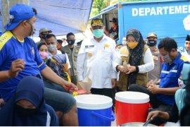 Gubernur Gorontalo salurkan bantuan ke korban banjir di Bilato