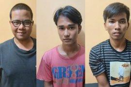 Tiga polisi gadungan diringkus polisi saat memeras anggota DPRD