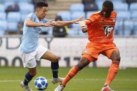 Milan resmi rekrut bek  muda Pierre Kalulu dari Lyon