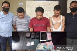 Satres Narkoba Polres Tanjungbalai ringkus tiga pria transaksi sabu