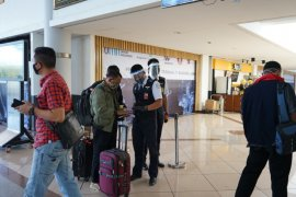 Pengelola Bandara Juanda tingkatkan pengawasan protokol kesehatan