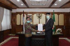 PKS milik Pemerintah Aceh resmi dihibahkan ke Abdya, begini tanggapan bupati