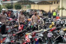 Polresta Mojokerto sita 129 sepeda motor saat Operasi Patuh Semeru 2020