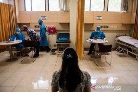 Presiden Jokowi saksikan penyuntikan vaksin COVID-19 kepada 1.620 relawan