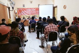 KPU Situbondo berikan pendidikan pemilih ke komunitas slankers dan anak jalanan