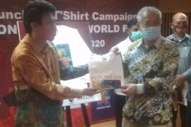 "Launching kaos kampanye ""Indonesia The World Park"""