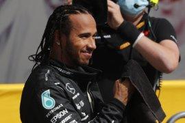 Lewis Hamilton ungkap alasan belum perpanjang kontrak dengan Mercedes