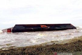 Dishub Nagan Raya selidiki izin kapal tongkang batu bara yang terbalik di laut