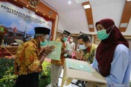 Warga Kota Tangerang terima 500 sertifikat tanah program PTSL dari BPN