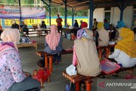 Pemkab Bekasi beri pelatihan UMKM sektor olahan ikan
