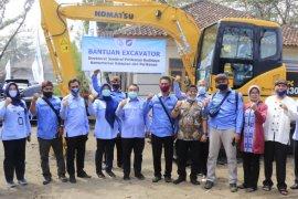 KKP sediakan alat eskavator kembangkan tambak di Tasikmalaya
