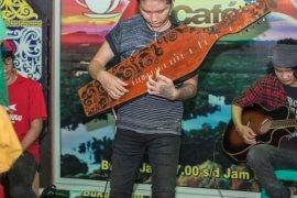 Hut RI cafe Rimba gelar lomba akustik lagu nasional dan lagu daerah