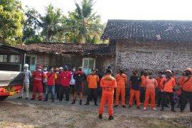 Lima wisatawan terseret ombak Pantai Selatan masih dicari