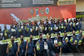 S Kalimantan police confirm 300-kg crystal meth smuggled from Malaysia