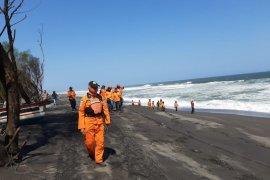 Lima korban tenggelam di Pantai Goa Cemara Yogyakarta belum ditemukan