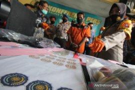 Polisi Surabaya ungkap kasus pemalsuan dokumen