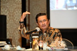Fadel Muhammad: Presiden harus berani rombak menteri
