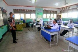 Daerah diminta tutup kembali sekolah jika penularan corona meningkat
