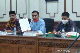 Komisi V DPRA sesalkan Plt Gubernur tidak hadiri rapat dengar pendapat
