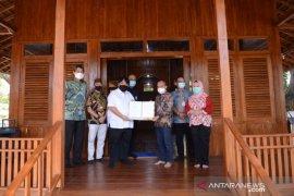PT Timah serahkan Masjid Kayu Jati ke Pemkot Pangkalpinang