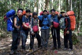 """Sangatta Backpaker"" gagas kibarkan bendera Merah Putih di Gunung Beriun"