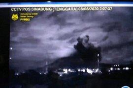 Gunung Sinabung kembali erupsi di tengah masa pandemi