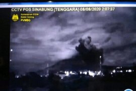Empat kecamatan di Kabupaten Karo, Sumatera Utara terdampak abu vulkanik Gunung Sinabung