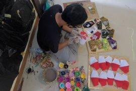 Pengrajin seni lukis di Gianyar pasarkan masker hingga mancanegara (video)
