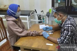 Banjarmasin's Duta Mall rapid test employees, all non-reactive