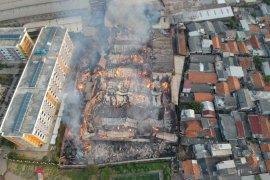 Pabrik mebel di Cakung terbakar