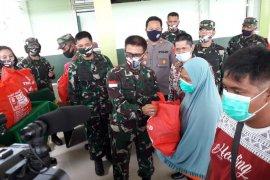 Kodam XII/Tpr kembali salurkan bantuan kepada 842 KK korban bencana puting beliung