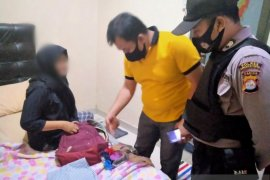 Polres Serang Kota jaring tiga pasangan bukan suami istri di penginapan