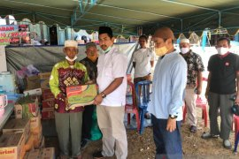 Fraksi Gerindra bantu warga korban kebakaran di Cempaka