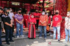Kunjungi Vihara Boen Hay Serpong, Azizah Ma'ruf serahkan Pohon Kelor