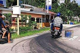 Tumpahan solar bahayakan pengguna jalan kampung wisata Bengkalis