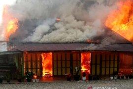 Dua rumah warga di Selamat Datang Nagan Raya musnah terbakar