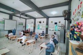 Tiga metode pembelajaran diterapkan di Surabaya selama pandemi COVID-19