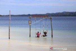 Foto - Pantai Ratu di Boalemo, Destinasi wisata unggulan Gorontalo