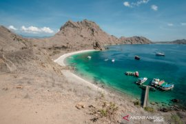 News Focus --  Komodo National Park, Labuan Bajo reopen to domestic tourists, expats