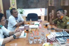 Bupati Kayong Utara cari solusi air bersih di Sukadana