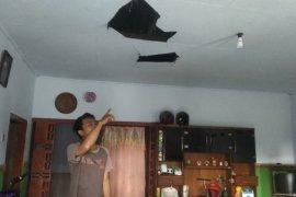 Sejumlah rumah warga rusak terdampak ledakan pabrik bioetanol di Mojokerto