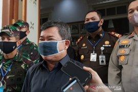 Bupati Garut tutup kantor pemerintah jika ada PNS terpapar COVID-19