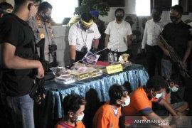 Kasus Peredaran Narkoba di Kota Surabaya Page 1 Small