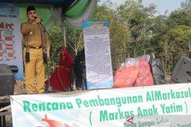 """Peletakan batu pertama pembangunan Pondok Rumah Anak Yatim  """"Almarkazul Yatama """""""