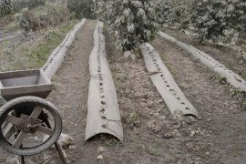 BPBD Karo siapkan alat semprot untuk bersihkan tanaman dari debu Sinabung
