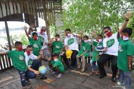 Semarak HUT RI Ke-75 Pelindo 1 tanam 2.020 mangrove