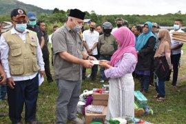 Bupati salurkan bantuan masa panik korban kebakaran di Aceh Tengah