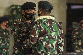 Panglima TNI berikan penghargaan kepada Satgas Pengamanan Perbatasan RI-PNG